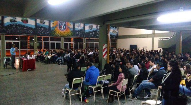 Charlas en Vera y Calchaquí: por un conocimiento comunitario, afectivo y popular