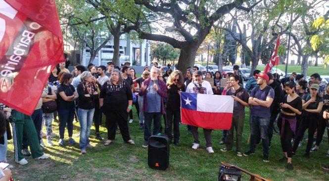 Abrazo a la lucha del pueblo chileno