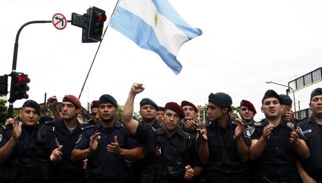 Alzamiento policial y después