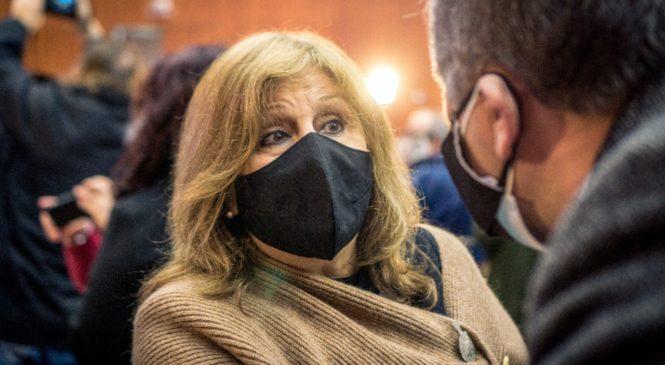 Perotti y Cantero anunciaron obras junto a una escuela sin gas y cubierta de heces